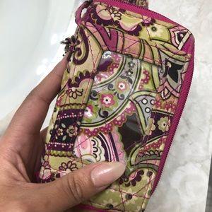 Vera Bradley cellphone wristlet w/ ID window